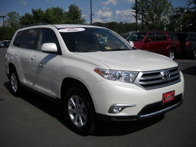 Awesome Toyota 2017 - Awesome Toyota Highlander 2017: Used 2012 Toyota Highlander in Chantilly, VA. Wh...  Cars 2017 Check more at http://carsboard.pro/2017/2017/08/31/toyota-2017-awesome-toyota-highlander-2017-used-2012-toyota-highlander-in-chantilly-va-wh-cars-2017/