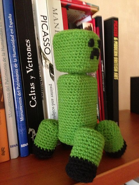 "Minecraft: Articulated Creeper Free Amigurumi Pattern PDF Version ( click ""download"" or ""free Ravelry Download"") http://www.ravelry.com/patterns/library/minecraft-articulated-creeper"