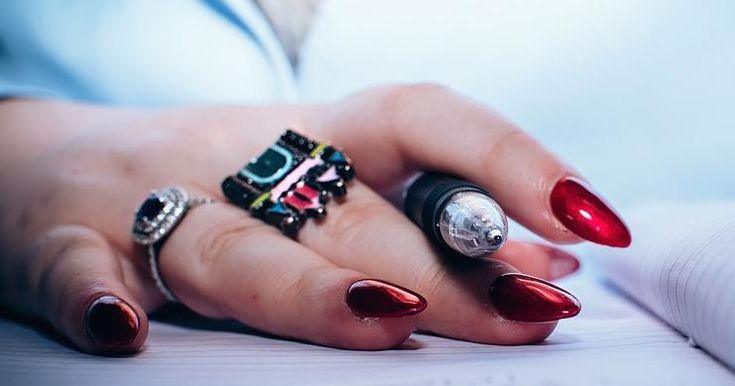 Cómo quitar las uñas acrílicas