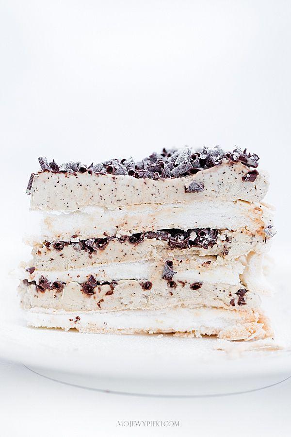 Frozen tiramisu meringue cake
