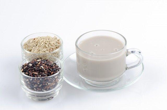 La ricetta del latte di riso fatto in casa: buono, salutare, leggero e cruelty free