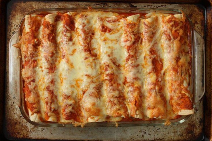 Pulled pork enchiladas - summer style. Chedder instead of Jack.