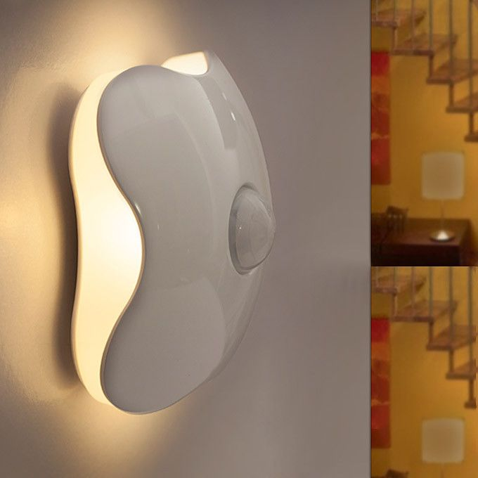 Four-Leaf Clover Motion Sensor Night Light (USB Rechargeable)