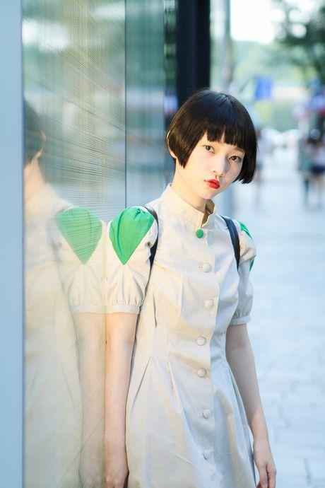 やっぱ黒髪ショートはかわいいネStreet Snap, Outfit Kazukij, Asian Street, Kazukij ストリート, Outfit Ss, Fashionsnap Com, Old Clothing, Japan Girls, Snow White