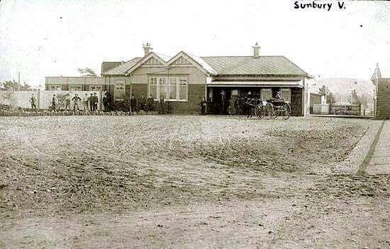 Sunbury Railway Station in Victoria in 1920.