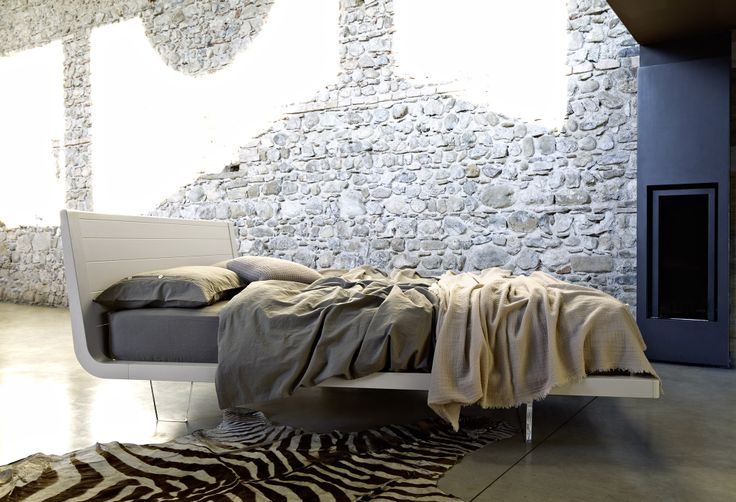 Moon - letto in legno  #wood #legno #bed #bedroom #letto #letti #arredo #woodenbeds http://www.zanette.it/it_IT/products/3/gallery/11/line/24/subline/40