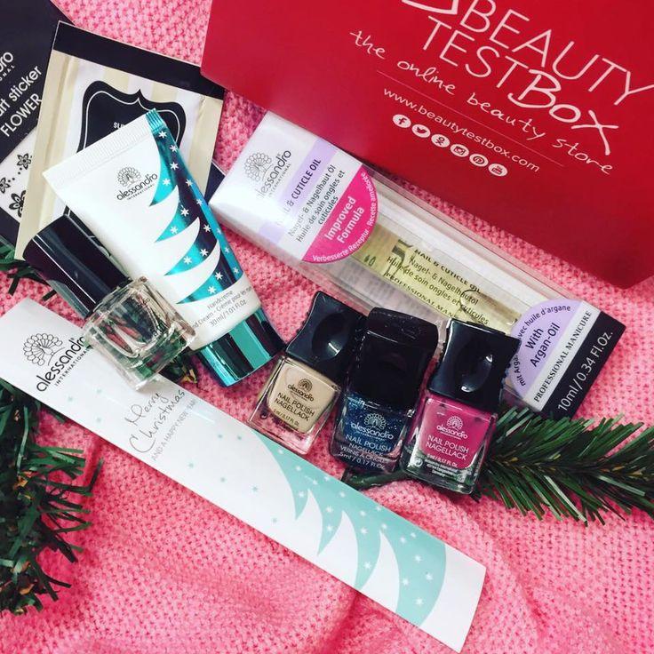 Η περιποίηση των άκρων σου συμβάλλει στην γιορτινή εμφάνιση σου και το #AlesandroXmasNailBox σίγουρα θα σε βοηθήσει να λάμψουν τα νύχια σου! 🎄🆕📦🔝💅🏻❤️Θα το βρεις εδώ: http://www.beautytestbox.com/alessandro-xmasnail-beautybox-15 ✔️ #beautytestbox #beautytestboxeshop #beautygreece #nailbox #greece #shippingtocyprus #greekeshop #AlessandroInternational #nailcare #nail #xmasbox