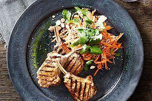 Sponsoreret: Grillede lammekoteletter med indisk rub og spicy...