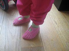 HobbyMegHer - Mon Ami!: Oppskrift på lommetøfler til barn.