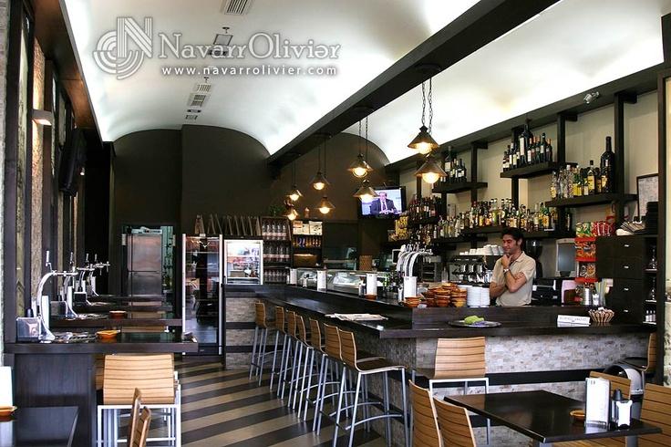"""Interior de bar """"Taberna real"""" Parque Comercial Almenara, Lorca, Murcia.  www.navarrolivier.com"""