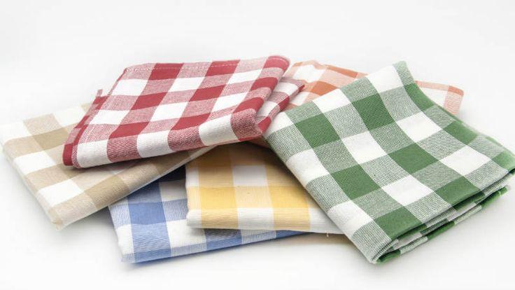 Trucos para eliminar el mal olor que suelen acumular los trapos de cocina que solemos usar para secar y limpiar superficies mientras cocinamos