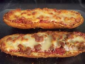 French Pizza Bread: French Bread Pizza, Pizza Breads Mak, Easy Food, Food Food, Sugar Queen, French Breads Pizza, French Pizza, Appetizers Recipe, Food Snacks