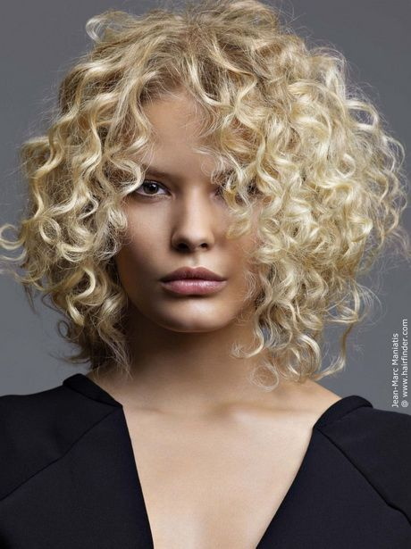 Frisur locken kurz blond