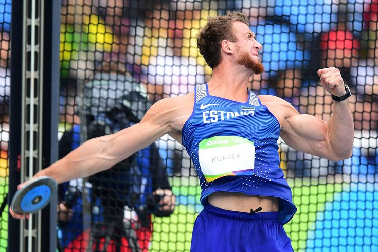 Estonia's Martin Kupper competes in the Men's Discus Throw Qualifying Round during the athletics event at the Rio 2016 Olympic Games at the Olympic Stadium  (1200×800)