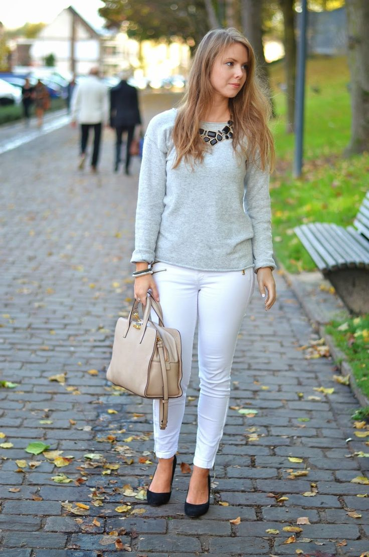 Grey knit, white jeans, black heels & Marc Jacobs nude Tote bag [Window On My Wardrobe]