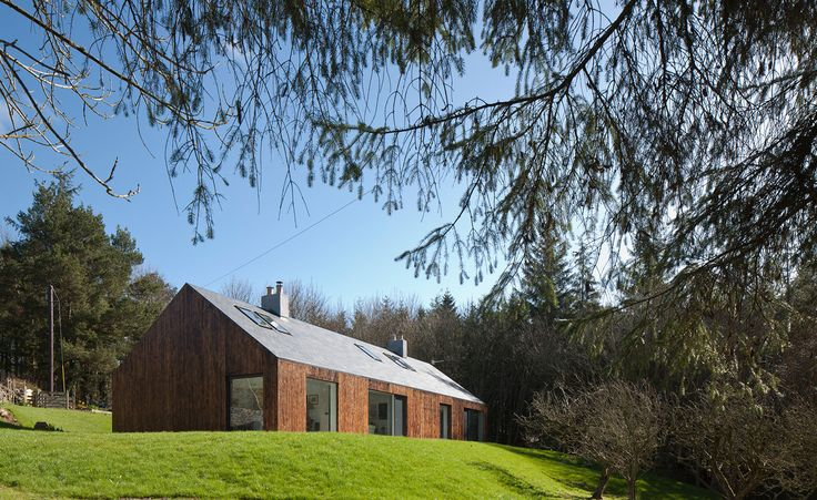 Blakeburn, by Edinburgh-based A449 Architects has gone some way to throwing down the gauntlet in terms of elevating the concept of home renovation. This woodland cottage for a writer in Roxburghshire may appear, on first impressions, to be an exciting ...