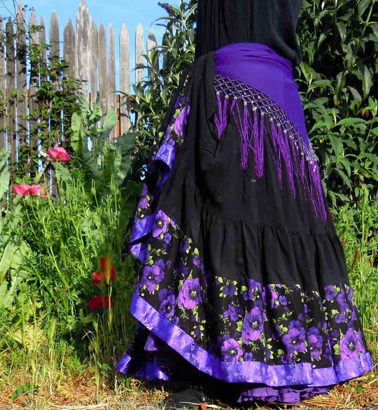 Flying Skirts Belly Dance Gear - beautiful and quality dance wear!