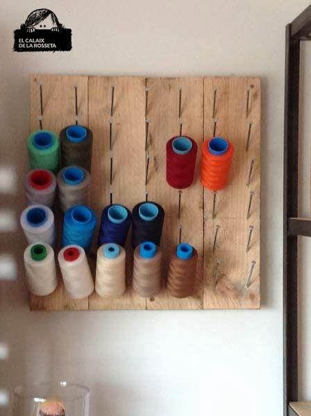 El Calaix de la Rosseta: cuelga hilos para mi habitación de costura