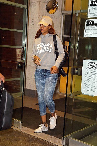 Visiting the dentist in NYC - June 3, 2015 - 045 - Rihanna Daily Photo Gallery - 24/7 Source for Miss Rihanna