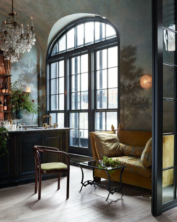 Manhattan's buzzy new restaurant Le Coucou, with interiors by Roman & Williams, is serving up delicious cuisine and major decorating inspiration | archdigest.com