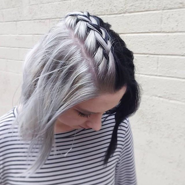 WEBSTA @ four_theloveofdogs - I LOVE that my stylist isn't afraid to try new bold things with me. It took 4 long hours to go from purple to split silver black... and I LOVE everything about it!! @mickidney game is on point! Give her a follow for more hair inspiration! : @mickidney #mysilverlining #notadogpost