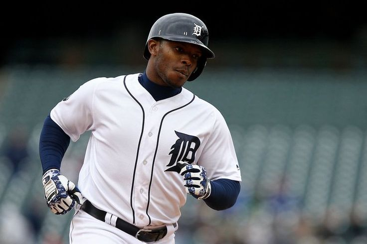 Detroit Tigers left fielder Justin Upton (8) trots the bases after a 2-run home run during their AL Central game against the Minnesota Twins at Comerica Park in Detroit, on Thursday, April 13, 2017. (Mike