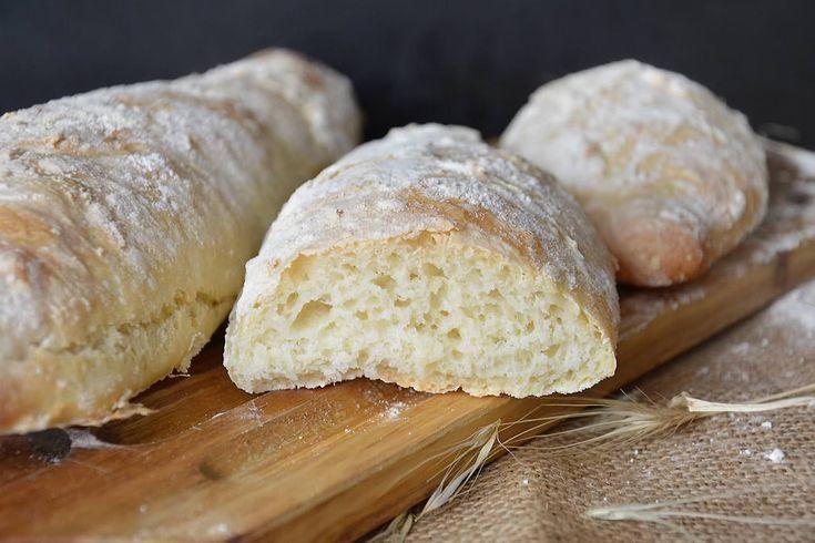 Ho provato questo pane veloce con molta diffidenza, dopo aver assaporato gli impasti con lunga lievitazione, non credevo che in 2 ore si potesse ottenere un pane