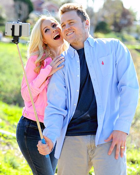 Heidi and Spencer Pratt made sure to capture many moments as they took a walk along the Pacific in L.A. Jan. 22.