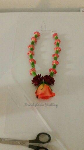 Fresh flower necklace by bridal flower jewellery www.bridalflowerjewellery.weebly.com