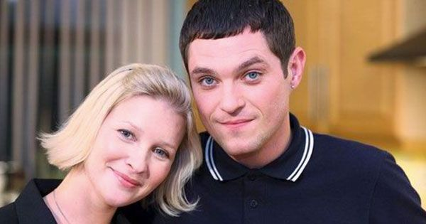 This is a series that we have all loved so much since it first came out! This series will never get old! Here are 10 things you probably didn't know about Gavin and Stacey. 1. Tom Jones and David Cameron are among some of the famous fans of the show. David Cameron has even admitted to using the
