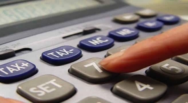 Antes de solicitar un préstamo u obtener un crédito, es importante darnos siempre un margen de protección y no engañarnos con ingresos que no tenemos asegurados.