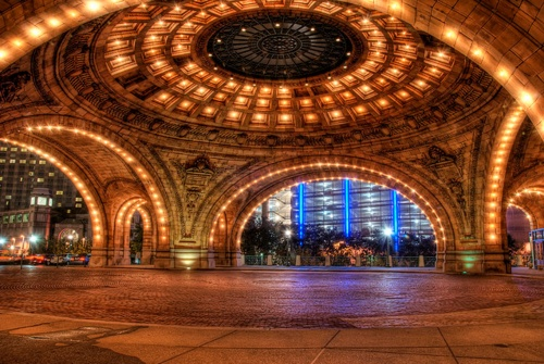 Pittsburgh train station... it's more beautiful than NY's grand station. You don't want to to miss it. Beeskneesvintagegarden