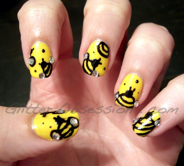 bumble bees nail art - so cute! - 25+ Gorgeous Bumble Bee Nails Ideas On Pinterest Pencil Nails