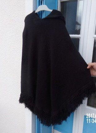 À vendre sur #vintedfrance ! http://www.vinted.fr/mode-femmes/autres-manteaux-and-vestes/29902744-poncho-sm-naf-naf-noir-3638