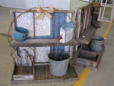 Diy craft projects using old vintage windows doors trash for Diy flea market projects