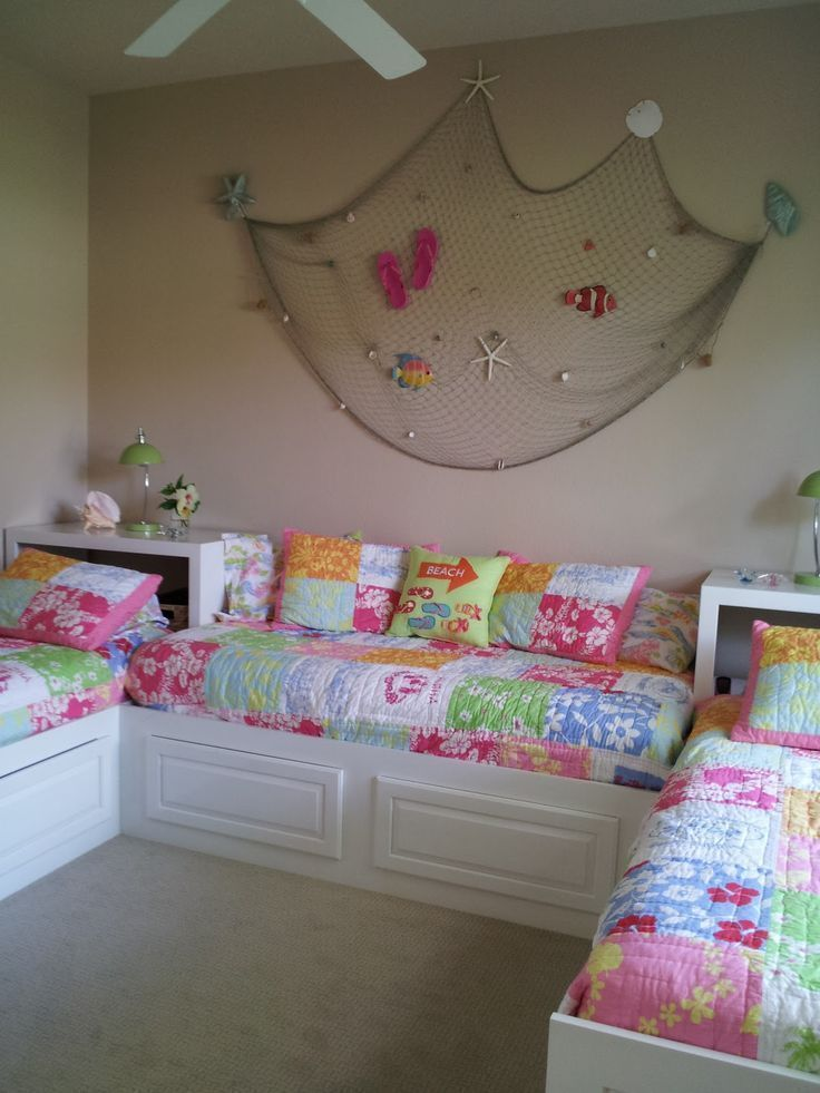Custom Twin Beds bedroom idea for the girls room!...screw twins multiple beds is a great idea for kids sleepover age #BeddingIdeasForTeenGirls