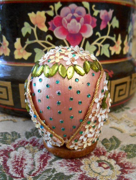 Gufo su guscio d'uovo rosa antico con di Igufidiadriana su Etsy