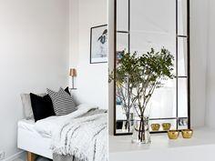 Post: Ático sueco espectacular --> atico sueco, blog decoración nórdica, decoración de interiores, decoración sencilla, decoración sueca, diseño interiores, espacio diáfano, planta abierta, nordic home, interior design,dormitorio