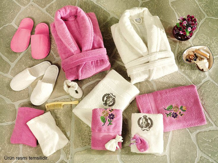 6 Parça Cici Klasik Nakışlı Aile Bornoz SetiKlasikPembe ::