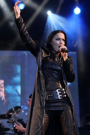 Tarja Turunen = Sara en Atrévete a quererme
