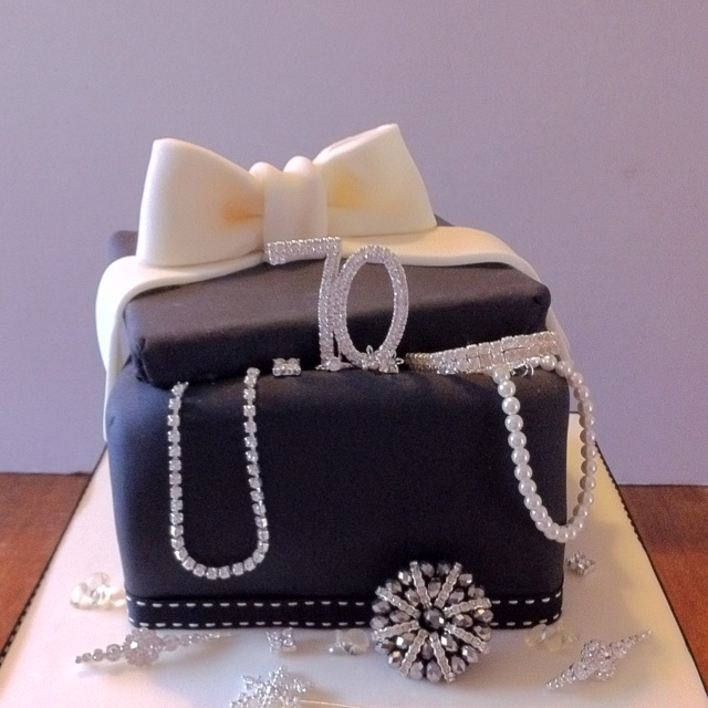 Cake Ideas From Cake Box : Jewellery Box Cake Jewellery Box Cake Pinterest