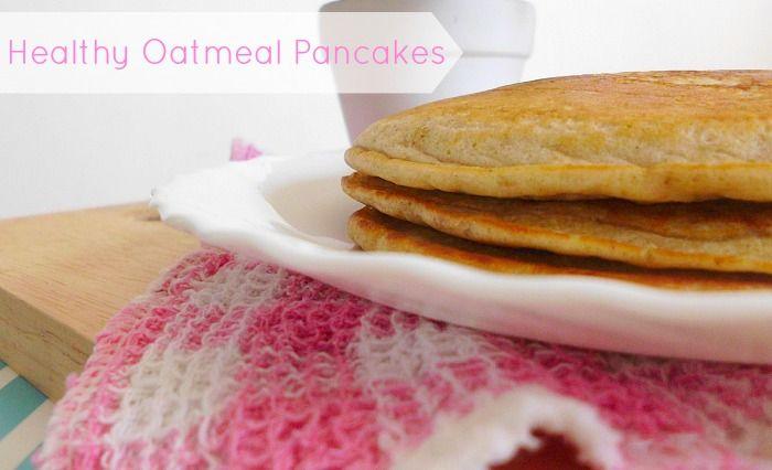Healthy Oatmeal Pancakes | www.pinkrecipebox.com