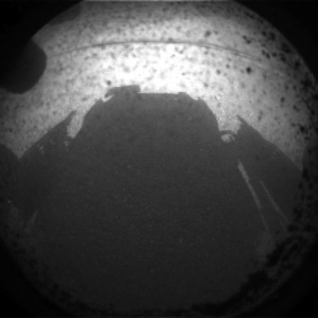 NASA's Curiosity Mars landing successful, first pictures trickling in