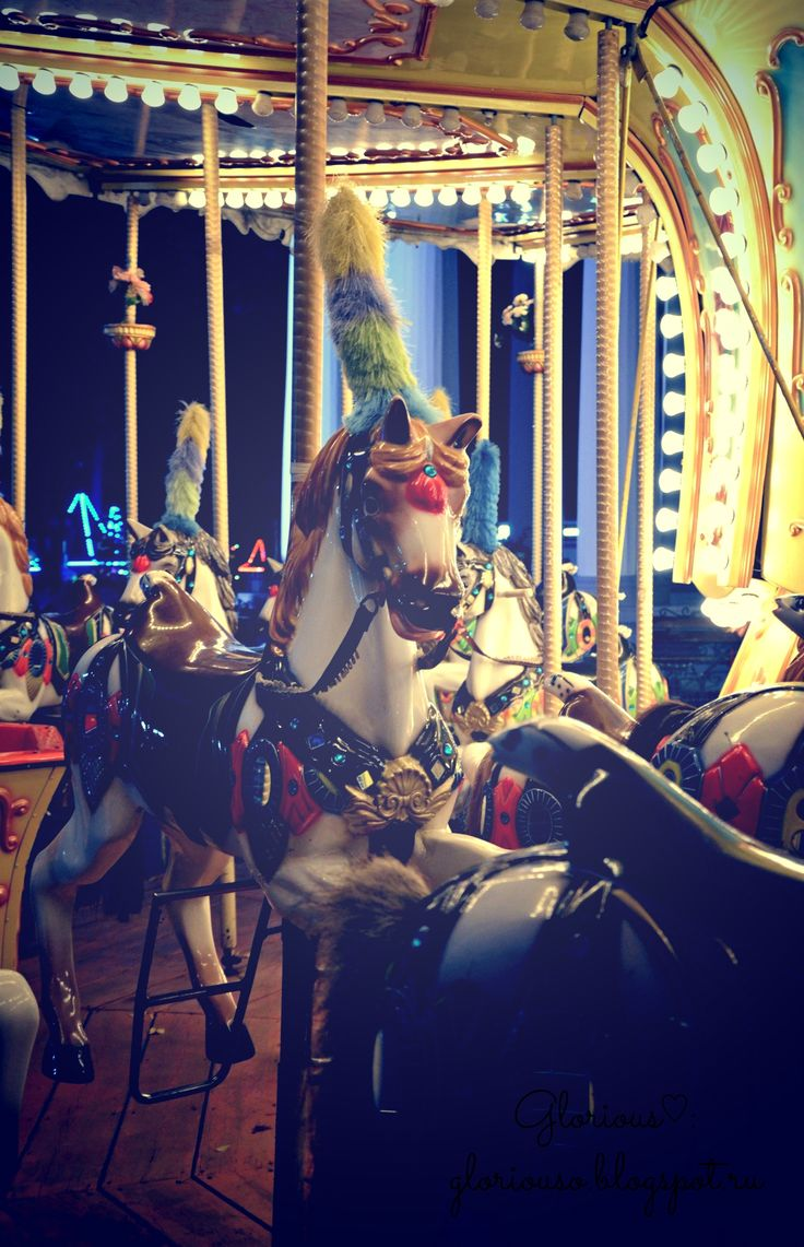 Карусель в парке им. Горького, 2013 год. #carousel #evening #walk #Пермь