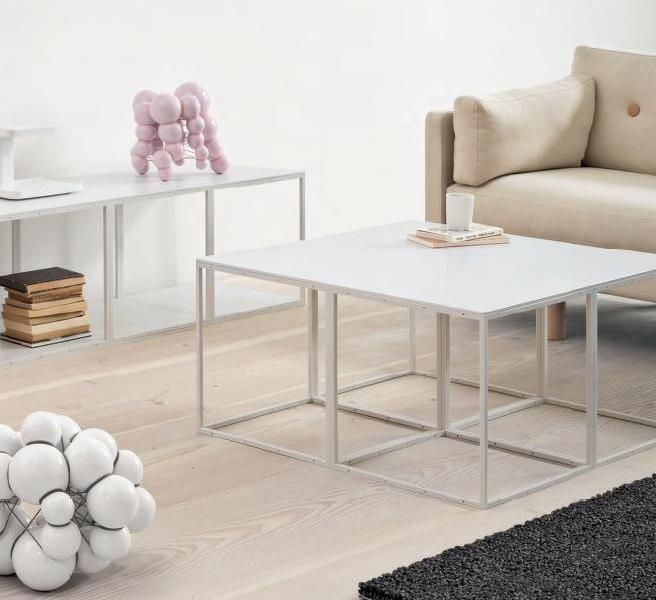 Minimalist Living Room by Grid / Products available on e-HomeLovers.pl