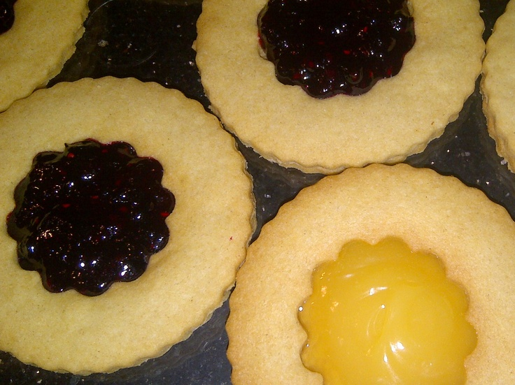 Jammy Thins - Wafer Thin Shortbread with a Jam or Lemon Curd centre