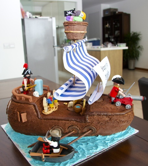 {My creation} My first Pirate ship. My client wanted to keep it simple and use the wonderful little Playmobile figures. I'm working on my second Pirate ship right now, its due Saturday. I'm busy with the figures at the moment, its a fiddly business :-). Pics to follow soon of the finished product.