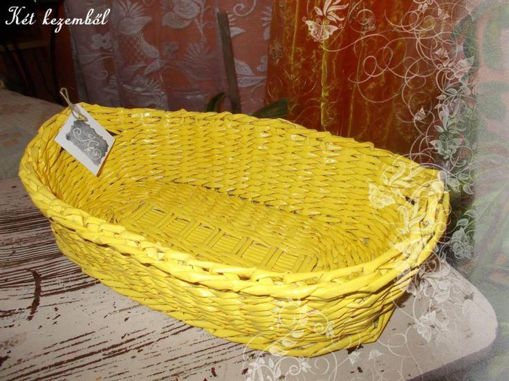 Sárga színű kenyeres kosár. Megrendelésre készítve