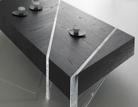 the Kristal coffee table -Erwan Péron