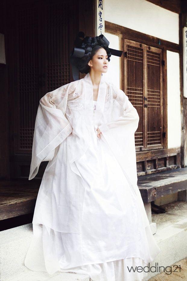 출처: http://cafe.naver.com/hanboknara1.cafe?iframe_url=/ArticleRead.nhn%3Farticleid=4252&